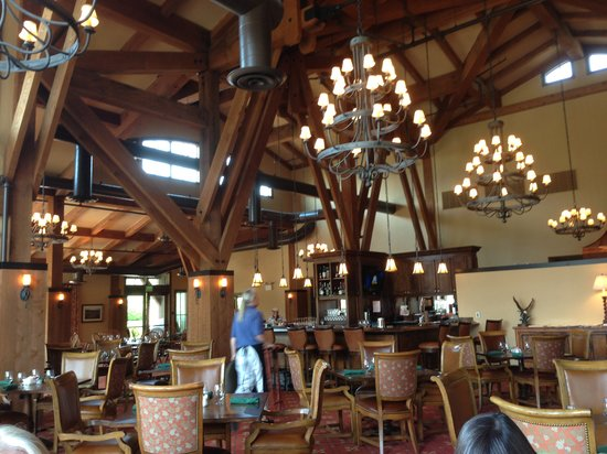 Frost Creek: Inside the dinning room.