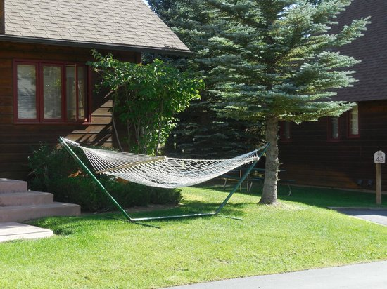 Rams Horn Village Resort: Outdoor hammocks for each unit