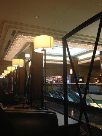 Sheraton Gateway Hotel in Toronto International Airport: Lobby