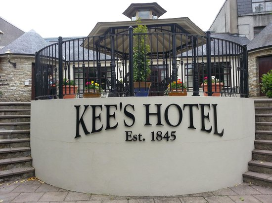 Kee's Hotel, Leisure & Wellness Centre : new entrance