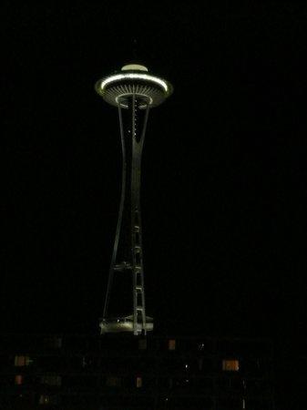 Quality Inn & Suites Seattle: Needle de nuit