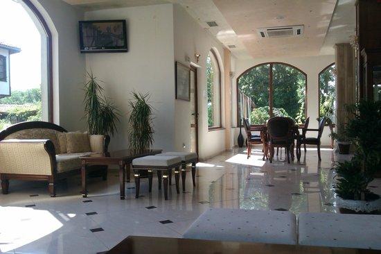 Hotel Hanat: Холл
