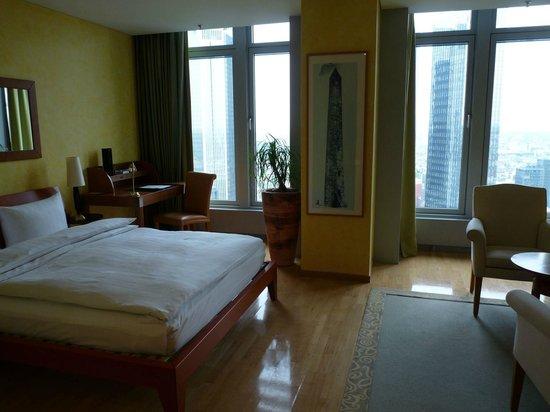 Innside by Meliá Frankfurt Eurotheum: Zimmer 28. Etage