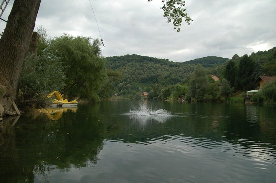 Banja Luka, Bosnien-Herzegovina: jumping into water from 8meters is fun