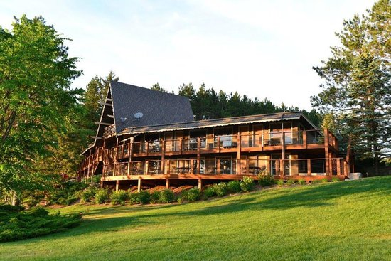 Sojourn Lakeside Resort : Lakeview Lodge