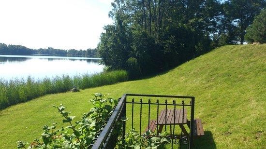 Karvio Dvaras: у озера