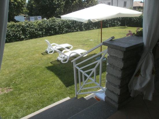 La Casa di Sofia - Casa Vacanza Monterosi : particolare giardino