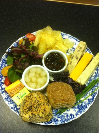 Craftea Weaver Tearoom: Manx Cheese Platter