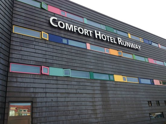 Comfort Hotel RunWay: Fachada
