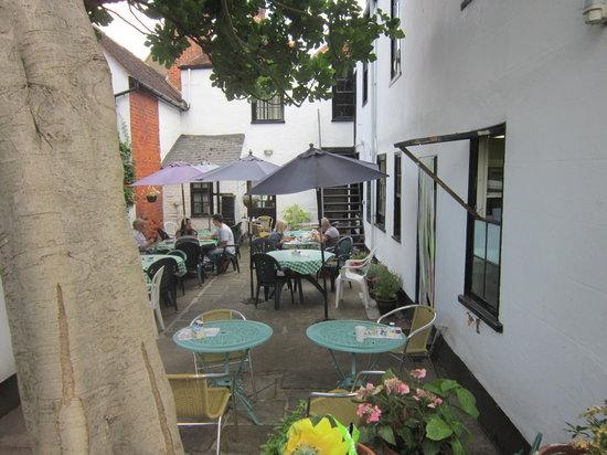 Laliy Restaurant & Tea Gardens: Garden Courtyard with impressive Fig Tree
