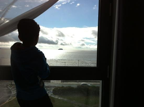 Premier Inn Weston-Super-Mare (Seafront) Hotel: room with a view... room 409!