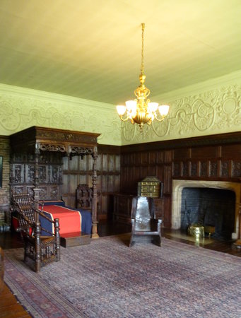 Temple Newsam: One of the many bedrooms