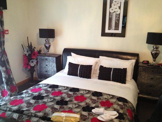 Bo'mains Farmhouse: Bedroom in Kirkland House