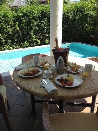 Cap Maison: Champagne Breakfast by Room #1 Plunge Pool