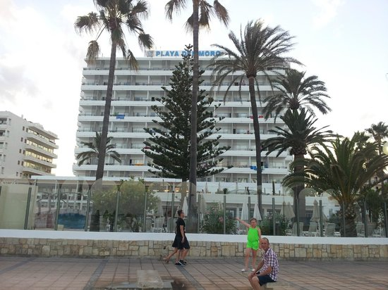 SENTIDO Playa del Moro: Hotel from the Beach