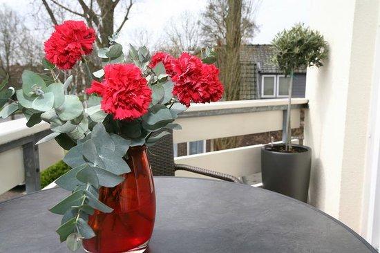 Alp de Veenen Boutique Hotel: Fresh flowers