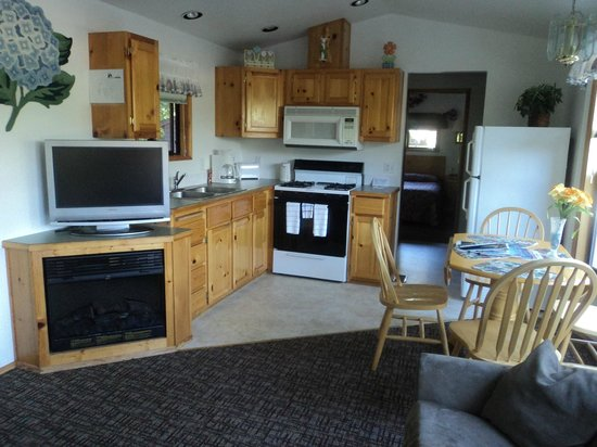 Park Motel : Kitchen in the cabins.