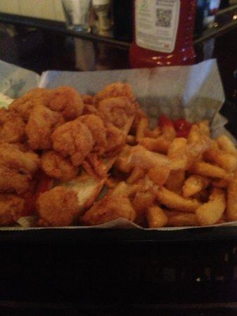 Riptides Raw Bar & Grill: shrimp po boy