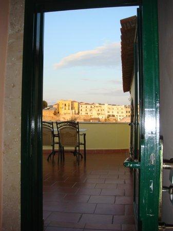 Casa Leone Boutique Hotel: Doorway to patio of Honeymoon suite