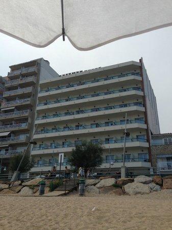 Hotel Rosamar: El hotel desde la playa