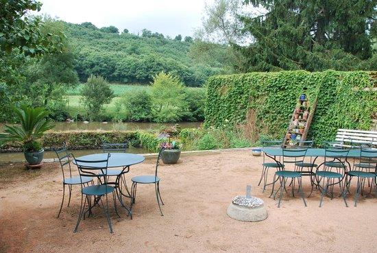 Moulin Pont Vieux : Petits-déjeuners au bord de l'eau !