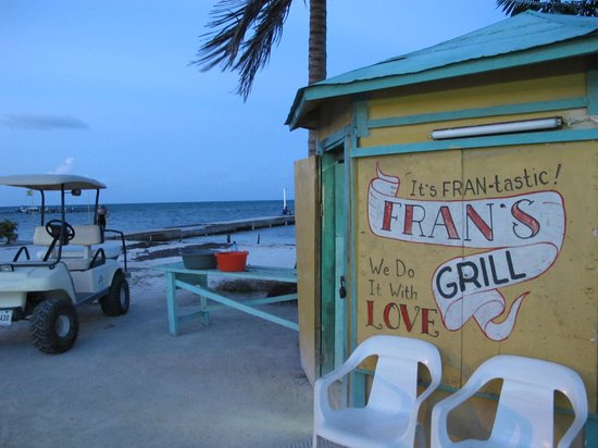 Fran's Grill: Fran's cook shack, right on the beach on front street