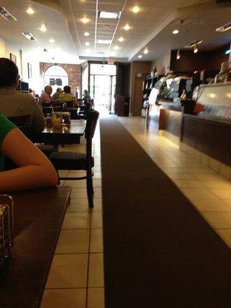 Casa Mia Cafe: roomy
