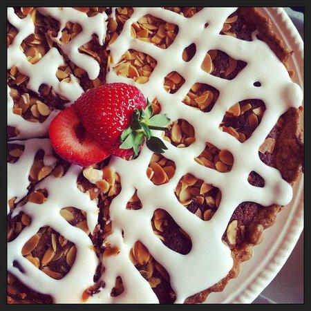 Bakehouse: BAKEWELL TART