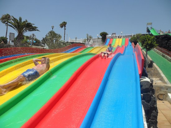 Aquapark Costa Teguise : and more slides