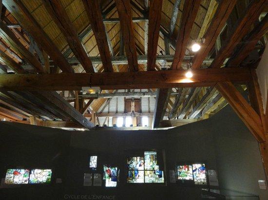 Centre International Du Vitrail: Le plafond