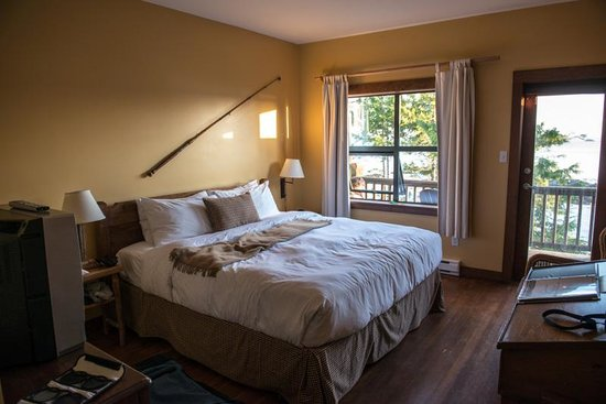 Middle Beach Lodge: Our room