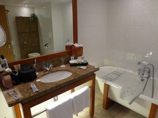 Aghadoe Heights Hotel & Spa: Bathroom