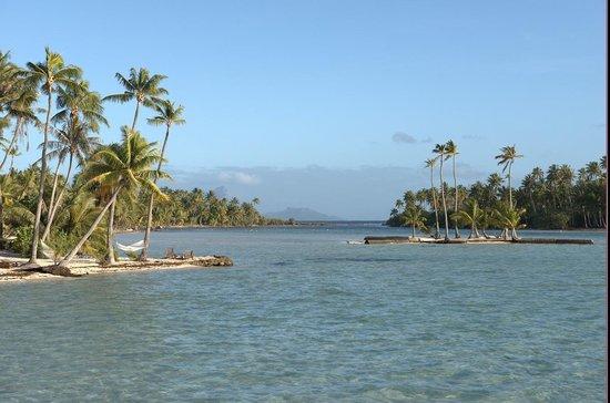 Le Taha'a Island Resort & Spa: View of Bora Bora
