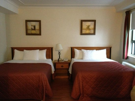 Hotel St-Denis: Two Full/Queen Beds