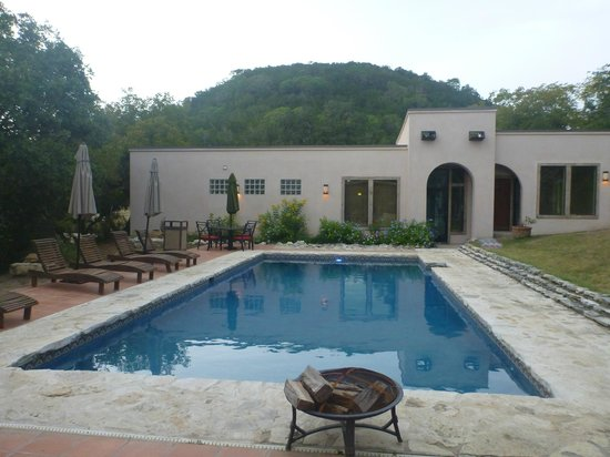 Escondida Resort : The pool and spa