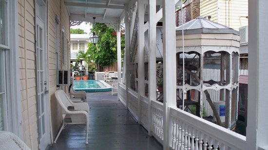 The Palms Hotel- Key West: side going out to the pool/breakfast area