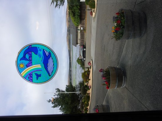 Bodega Coast Inn & Suites : View of bay from the banquet room where breakfast is served.