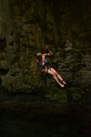 Cenote Maya Park : Rappeling in the Cenote