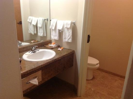 La Quinta Inn & Suites Great Falls: great if you have women with you