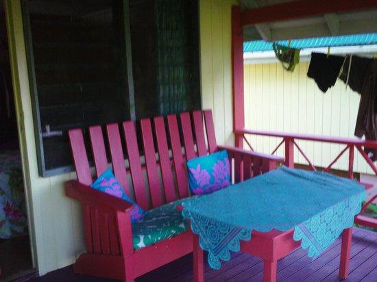 Kia Orana Bungalows: deck