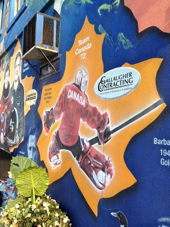 Canadian Moments Mural: Team Canada '72