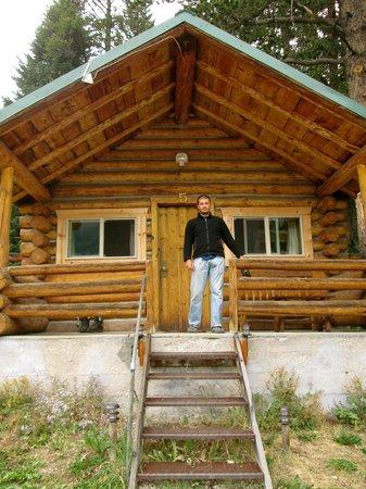 Pine Edge Cabins: Cabin #5