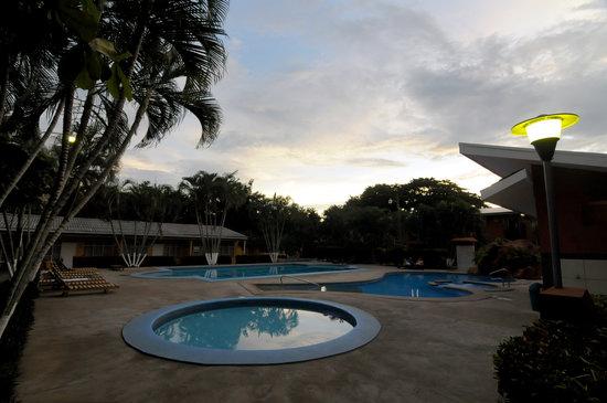 Hotel & Villas Huetares : Piscinas