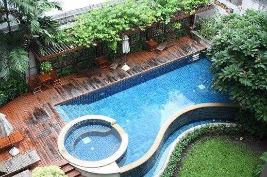 Silom Serene : piscina