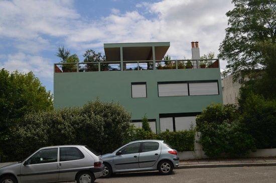 Cite Fruges : 2 Back to back houses, showing roof garden