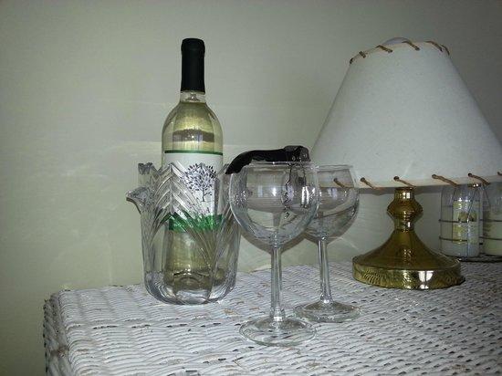 Blue Whale Inn: complimentary wine