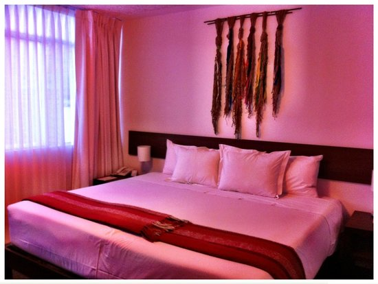 Tierra Viva Puno Plaza Hotel : Huge bed!!!