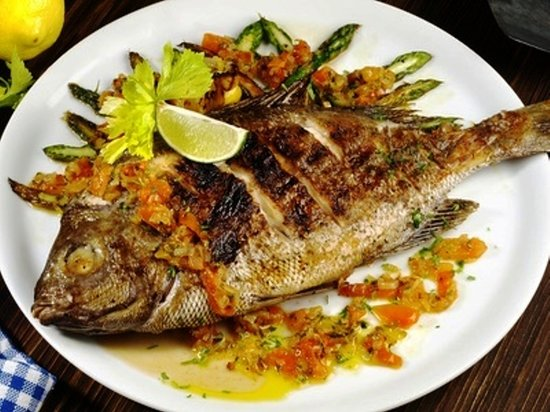 Providenciales: Fried local Fish, topped with herbs & spices