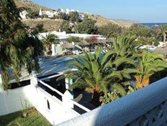 Aphrodite Beach Hotel: aphrodite beach resort next to the beach