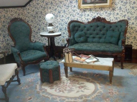 John Wesley Inn: sitting room